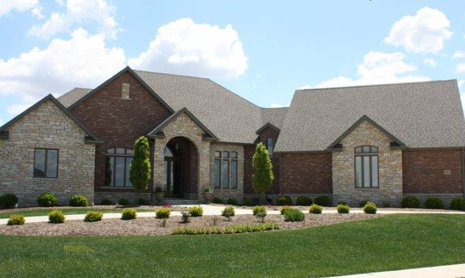Exterior Trim Molding And Columns likewise Brick Siding likewise Rustic Theme House Exterior besides Brick And Stone Exterior Color  bos in addition Ranch House Red Brick And Stone  binations. on brick stone combinations homes