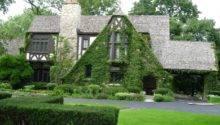 Composition Near House Make Solid Allusive Tudor Era