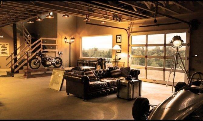 Acrylo Beezerstpierre Perfect Garage Living Room