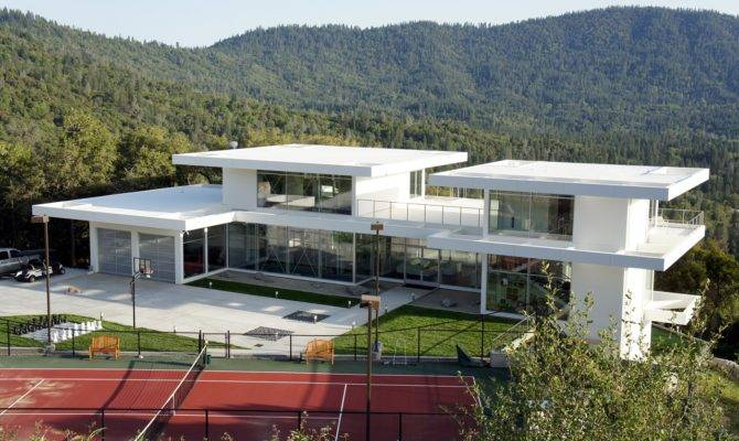 Amazing Modern Glass House Design