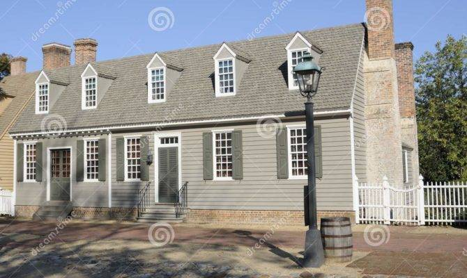 American Colonial Style House