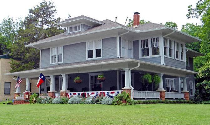 American Foursquare House Flags Swiss Avenue Dallas