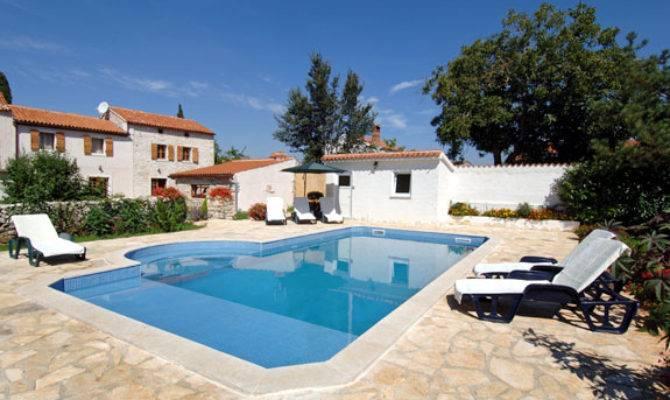 Angelina Jolie Brad Pitt Buying Villa Istria