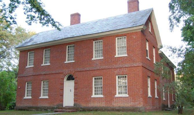 Asa Stebbins House Features Federal Period Architecture