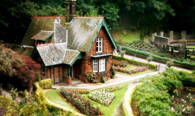 Awesome House Like Fairy Tales Curious Funny Photos