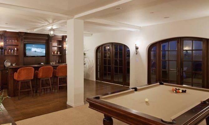 Bar Recreation Room Spacious Rec Anchored