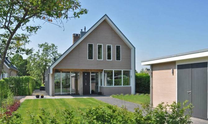 Barn Shaped Home Keeps Things Light Fresh