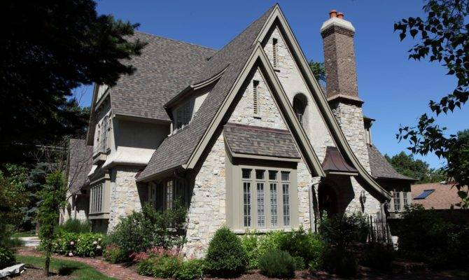Battaglia Homes Builds Hinsdale Inspired Old