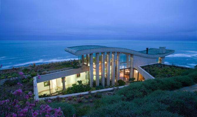 Beachfront House Raimundo Anguita Chile