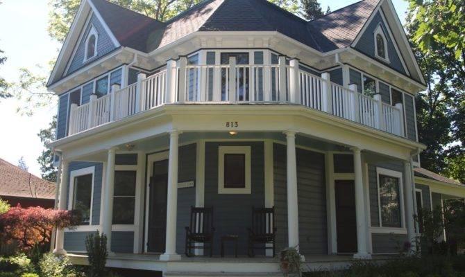 Beautifully Restored Custom Victorian Home Vrbo