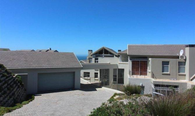 Bedroom House Sale Herolds Bay