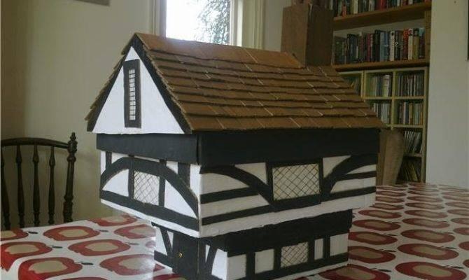 Bee Lovely Buns Little Tudor House