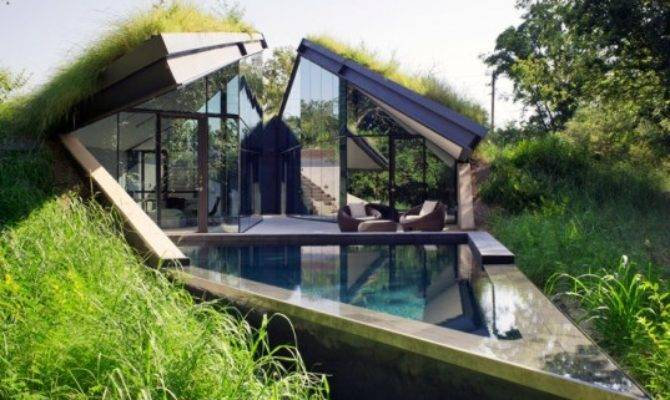 Bercy Chen Studio Green Roofed Edgeland House Transforms