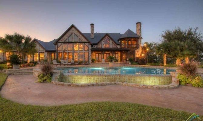 Big Houses Price Small Texas Towns Houston