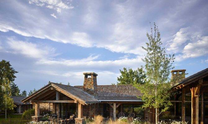 Breathtaking Rustic Ranch House Tucked Into Beartooth