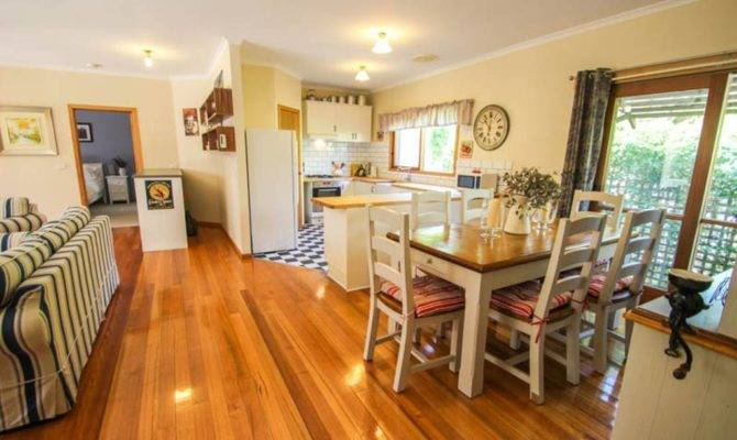 Bright Country Home Houses Rent Victoria