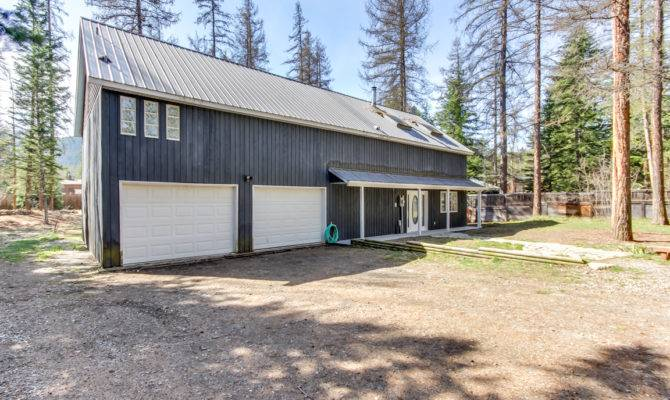 Bright Country Style Home Acres Reuter Real Estate
