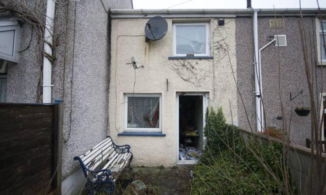 Britain Cheapest House Shocks Auction Aol Money