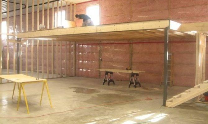 Building Garage Loft Apartment
