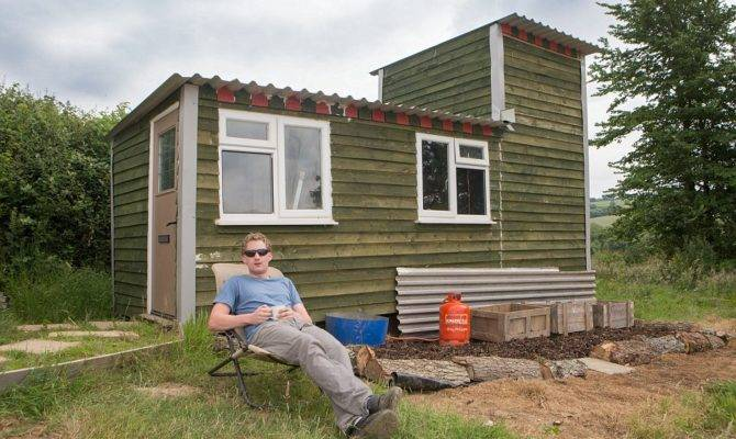 Built House Farm Worker Constructs His Own Home