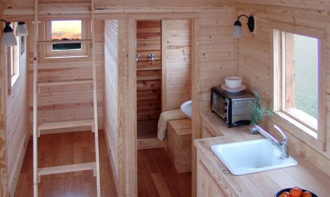 Busy Beauceron Tiny House Spur Jax