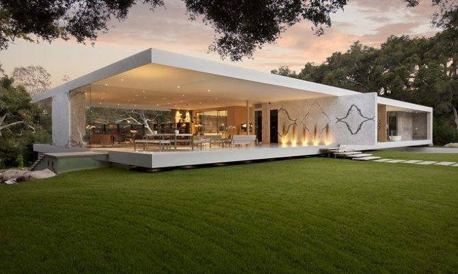 California Modern Luxury Home Design