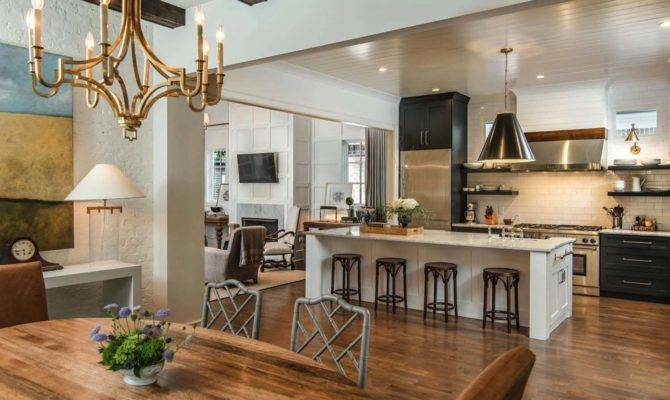 Cape Dutch Style Home Tennessee Opens Stylish Interiors