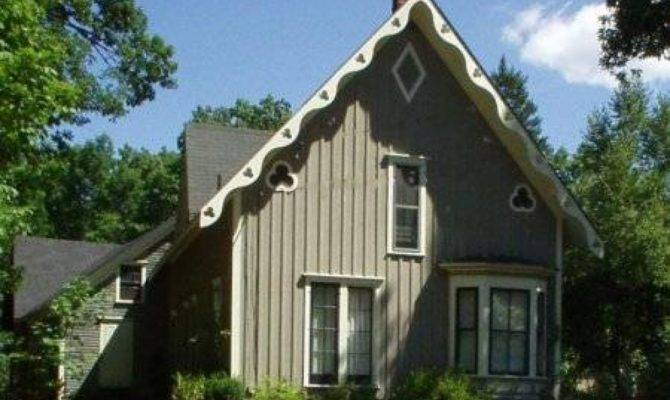 Carpenter Style House American Gothic