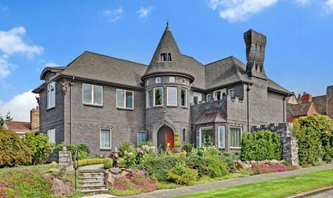Castle Like Home Magnolia Has Turret Library Curbed