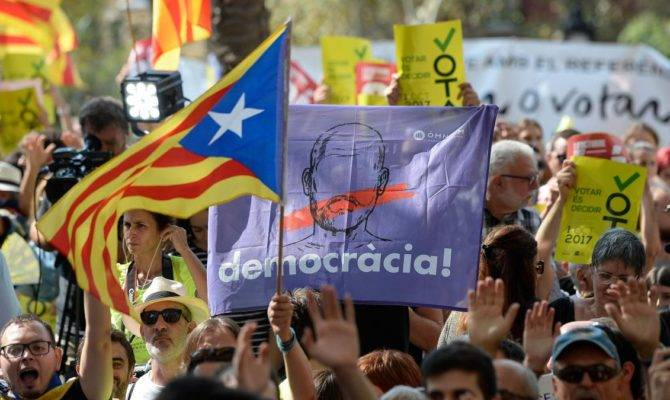 Catalonia Thousands Protest Spanish Attempts Stop