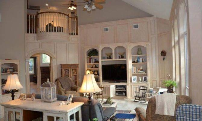 Cathedral Ceiling Living Room Decor Ideas