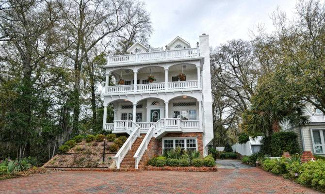 Charleston Style Waterfront Home Pricey Pads