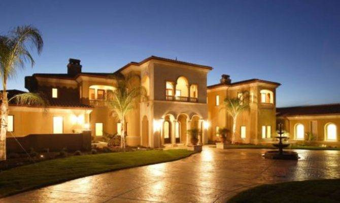 Checkout Top Ten Most Beautiful Houses World