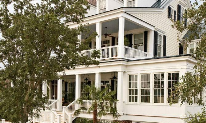 Classic Coastal Home Bunch Interior Design Ideas