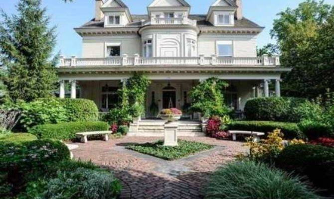 Classic Victorian Mansions Can Buy Right Now
