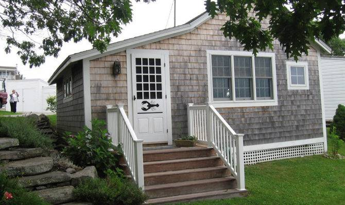 Coastal Cottage Tiny House Swoon