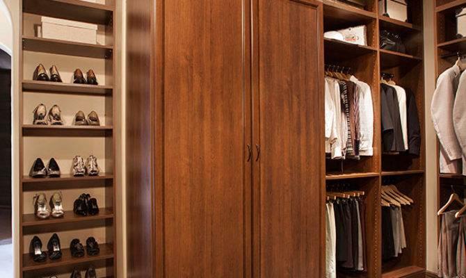 Coco Premier Walk Sobelman American Closet