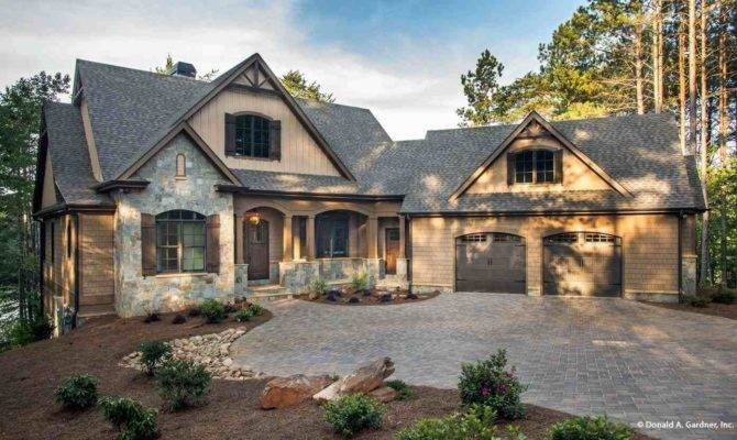 Collection Homes House Exterior Lake Claire