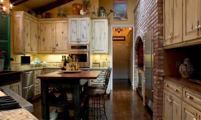 Colonial Kitchen Slideshow