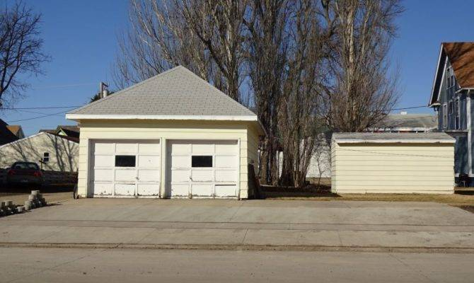 Comes Single Stall Garage Coin Operated Laundry Property