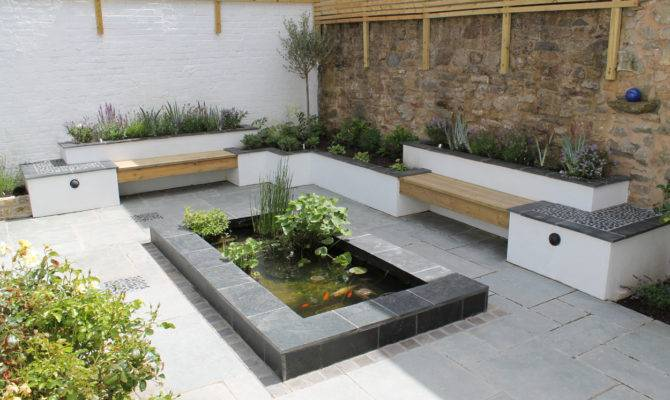 Contemporary Courtyard Outerspace