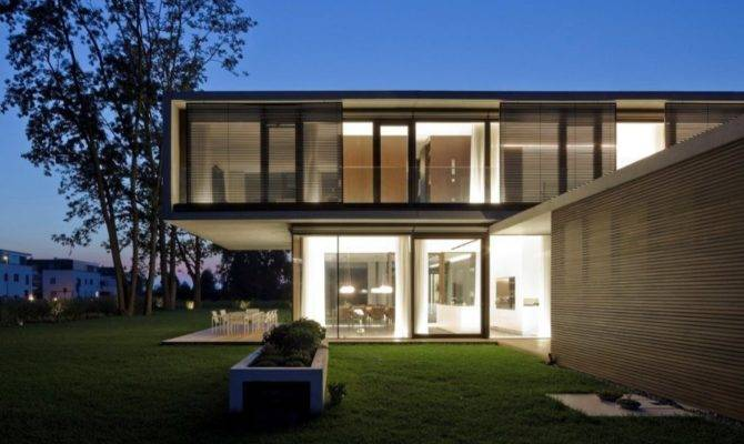 Contemporary Modern House Characteristics