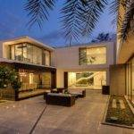Contemporary New Delhi Villa Amazing Courtyard