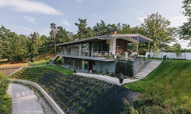 Contemporary Scandinavian House Hillside