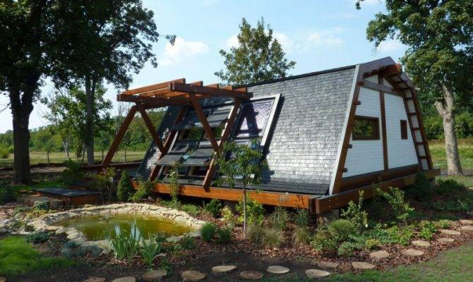 Cool Design Self Sustainable Home Soleta