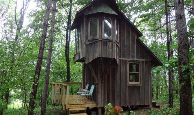 Coolest Cabins Cottage Style Cabin Michigan