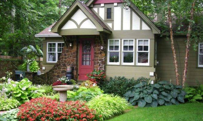 Cottage Curb Appeal