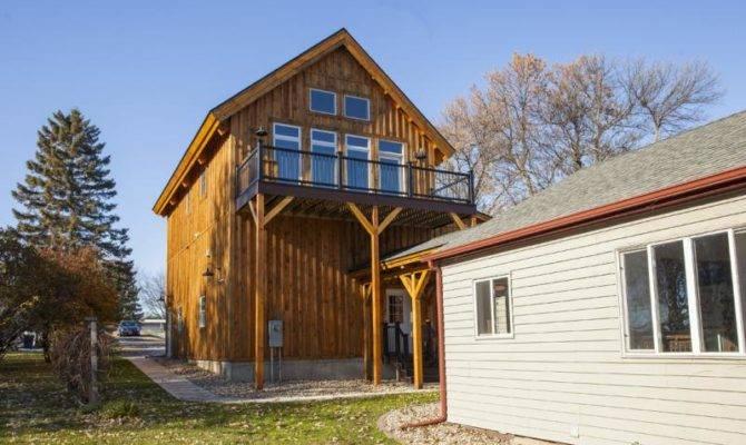 Country Barn Home Lean Breezeway
