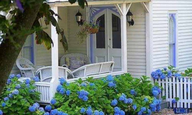 Country Living Cottage Style Decorating Gardens