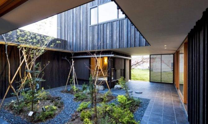 Courtyard House Atelier Drome